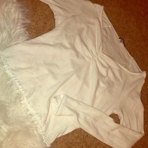 White crop top long sleeve